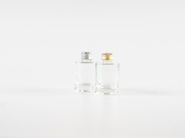 "Glasflasche ""Raoul"" mit Aludeckel silber/gold, 30ml"